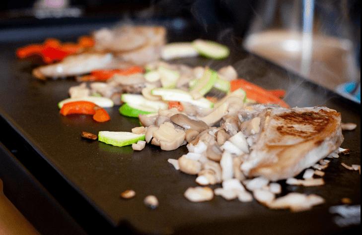 4 tr s bonnes raisons de cuisiner la plancha bio la une - Cuisiner avec une bouilloire ...