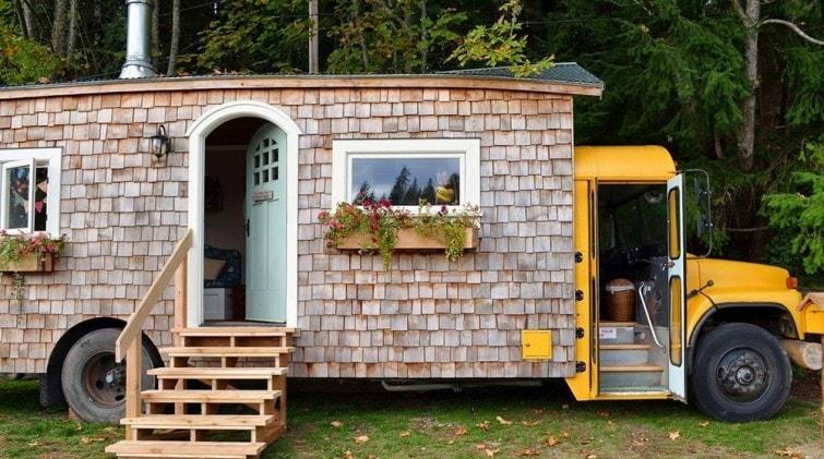 Tiny house vivre plus libre dans de minuscules maisons for Articles de maison anglo canadian s e c
