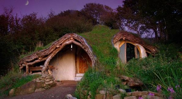 Tiny house vivre plus libre dans de minuscules maisons bio la une - Maison modulaire espagnole ...