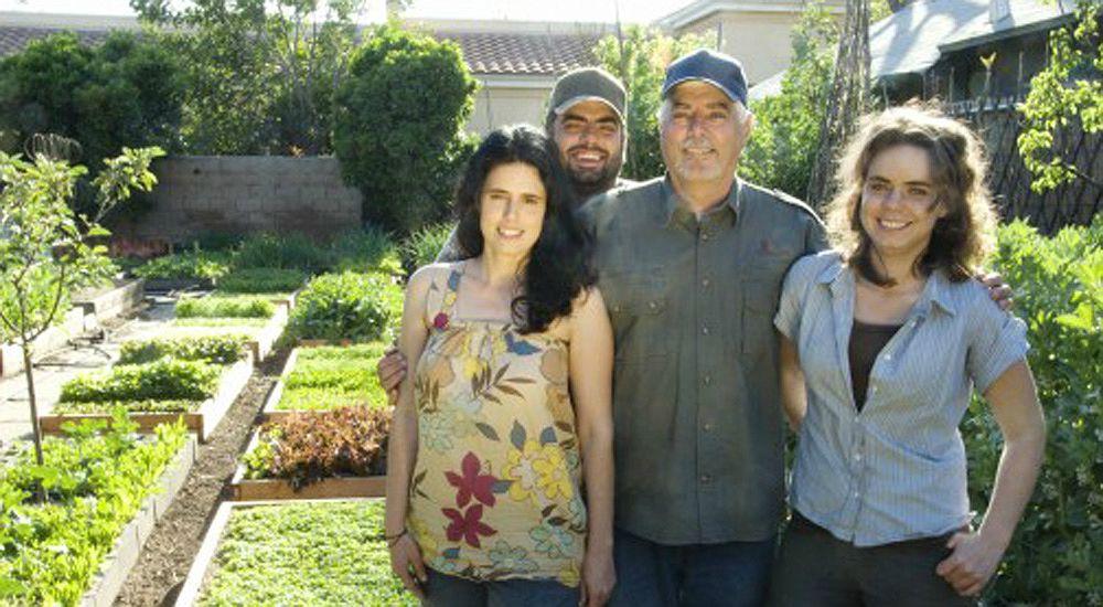 une famille am ricaine fait pousser 3 tonnes de nourriture bio par an dans son jardin bio la une. Black Bedroom Furniture Sets. Home Design Ideas
