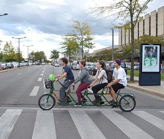 La quadruplette, vélo 4 place d'Alternatiba
