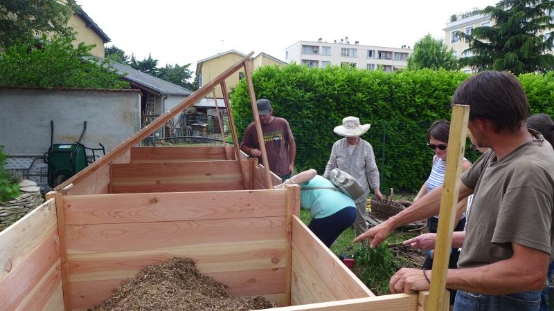 lyon on composte en pleine ville avec les compostiers bio la une. Black Bedroom Furniture Sets. Home Design Ideas