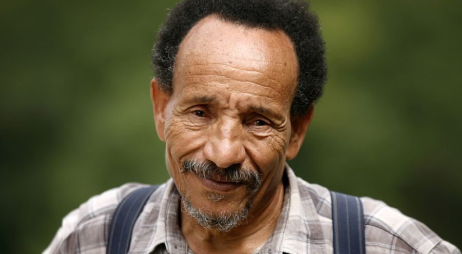 Pierre Rabhi sourire aux lèvres