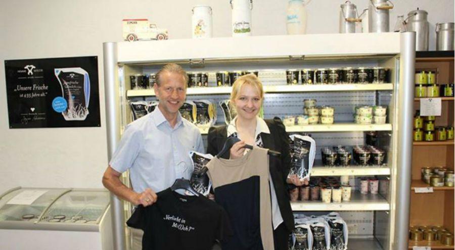 Anke Domaske, fondatrice de la société QMilch qui fabrique du textile à partir de lait de vache