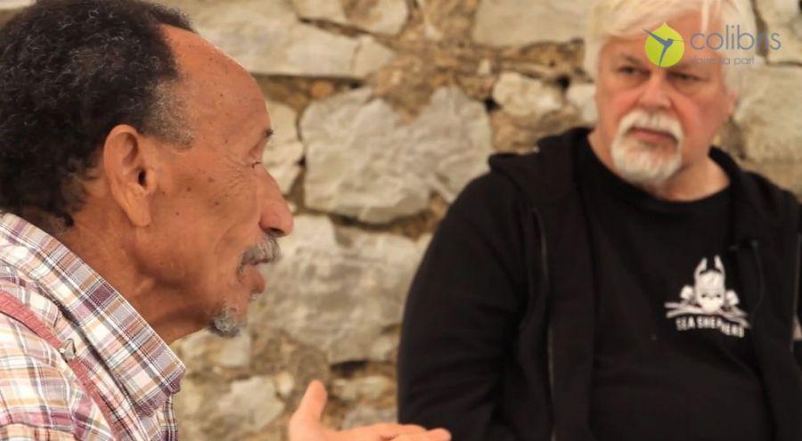 Pierre Rahbi et Paul Watson échangent sur la nécessité de sauver la biodiversité, sur la terre et dans les océans.