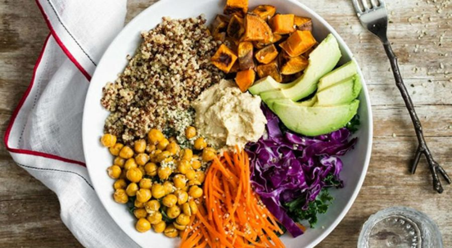 des légumes colorés dans un bol