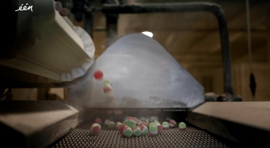 fabrication des bonbons à la gélatine de porc dans une usine