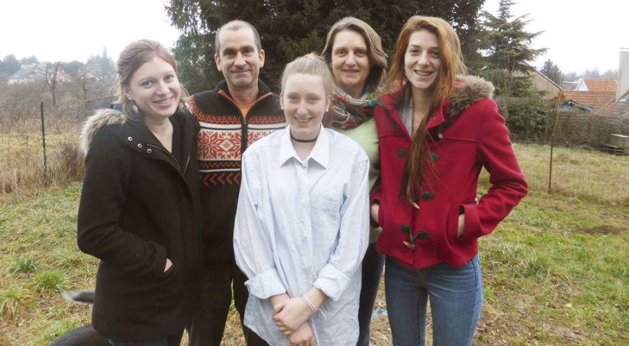 une photo des membres de la famille Eouzan