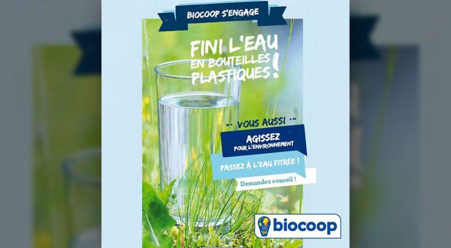 Affiche de biocoop annonçant ne plus vendre d'eau en bouteille