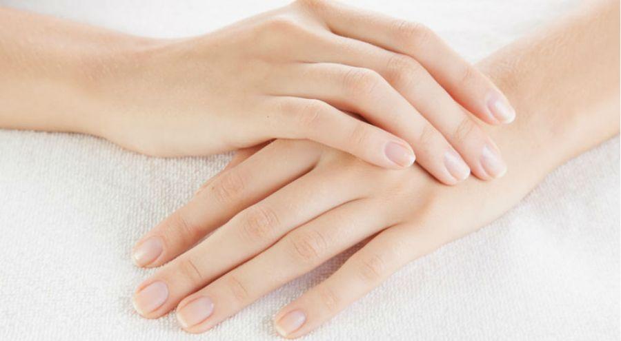 un soin naturel pour les mains hydratées
