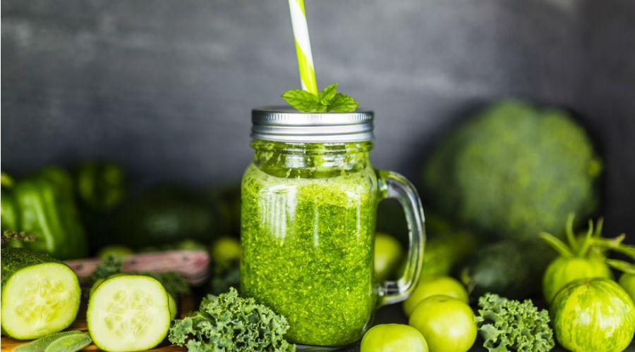 Concombre, céleri, kale : tous les bienfaits des jus verts