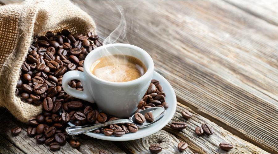 Les 8 incroyables vertus sant du caf bio bio la une - Les bienfaits du marc de cafe au jardin ...
