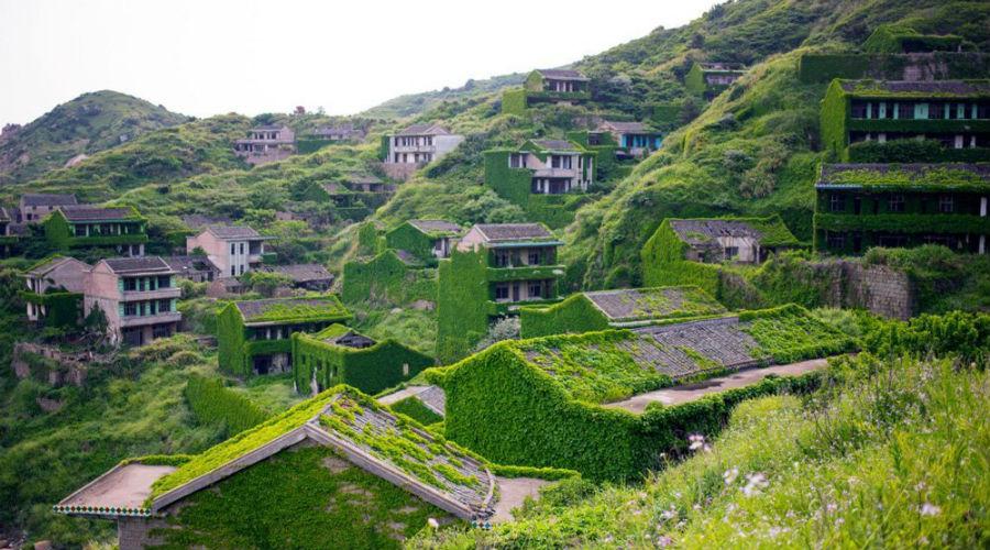 Photos : la nature reprend ses droits dans un village chinois figé dans le temps