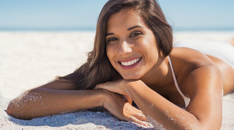 femme dans le sable
