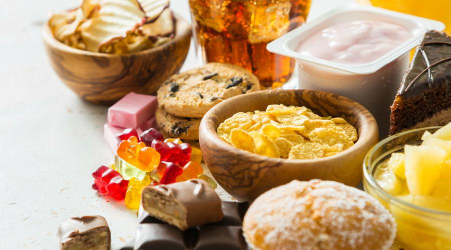 Bonbons, crèmes et yaourts allégés : des traces animales là où on ne s'y attend pas ! (Vidéo)