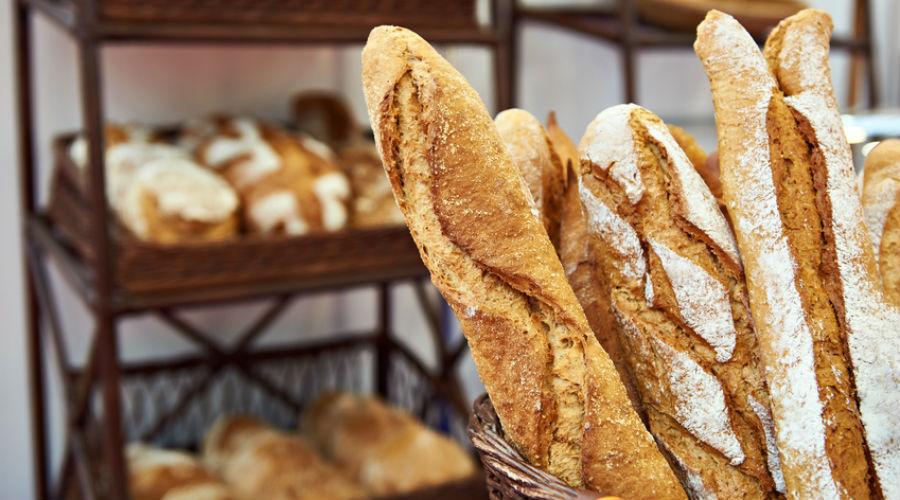Additifs, pesticides, perturbateurs endocriniens : des substances controversées dans le pain