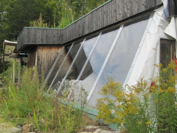 maison autonome amazing fabrication du biomthane la maison autonome au bord du lac with maison. Black Bedroom Furniture Sets. Home Design Ideas