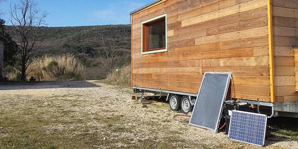 construire son panneau solaire en kit pour moins de 40. Black Bedroom Furniture Sets. Home Design Ideas